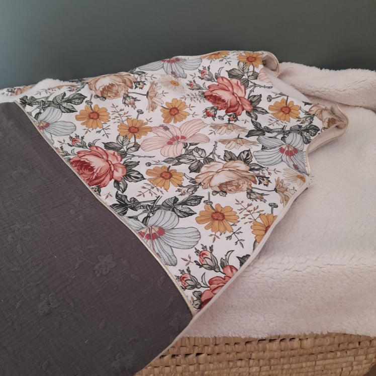 Gigoteuse 0-6 mois fleurs vintage